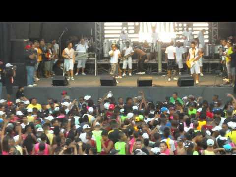 A Bronkka e Mario Brasil no Salvador Fest com Swinguera nova