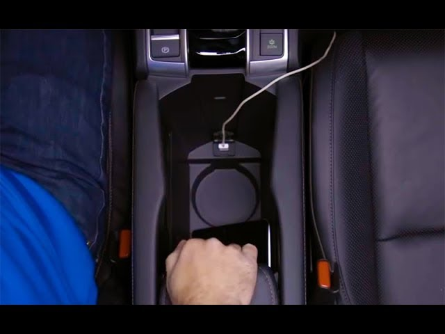 2018 Honda Civic Tips & Tricks: How to Use the Center Console