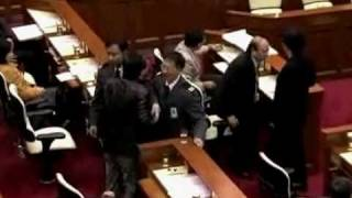 黑底民火拚監躉詹.黃毓民詹培忠嗌大交(1)
