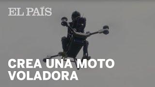 Un inventor chino crea una moto voladora y sobrevuela Dongguan