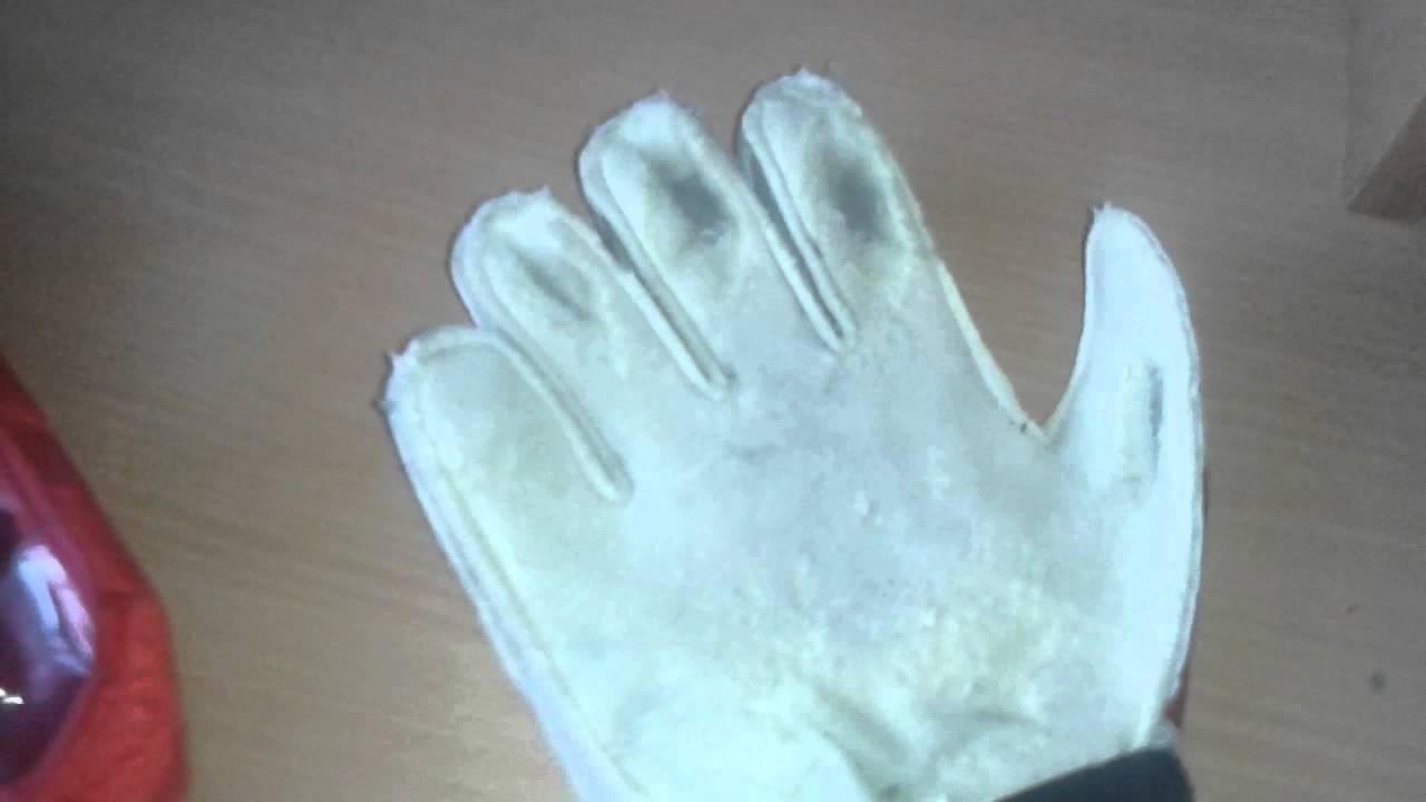Вратарские перчатки для мужчин. На сайте представлены вратарские футбольные перчатки таких производителей как nike, puma, adidas и umbro. Перчатки есть как для взрослых спортсменов, так и юных. В большинстве своем представленные модели традиционного кроя, который при любых погодных.