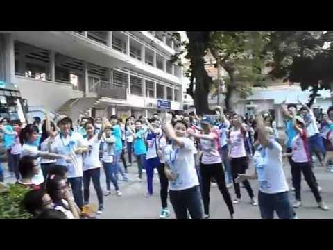 [SGU] Flashmob Chicken Dance - Té nước Thái Lan - Hội trại TN khoa ngoại ngữ 31/03/2013