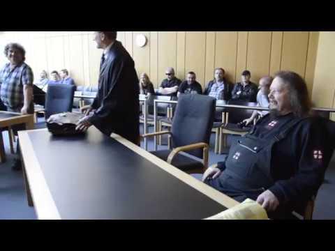 Die Ludolfs Vor Dem Landgericht In Münster Youtube