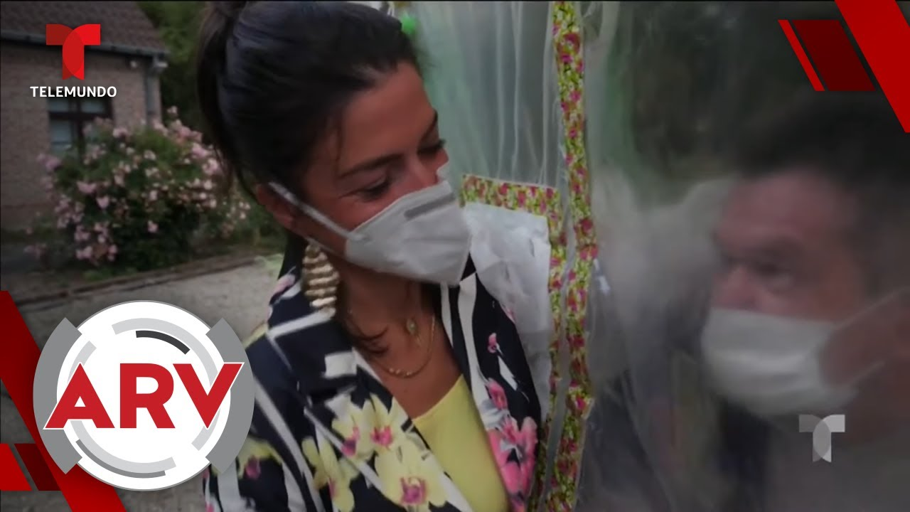 Una cortina de abrazos vuelve a unir a ancianos con sus familiares | Al Rojo Vivo | Telemundo