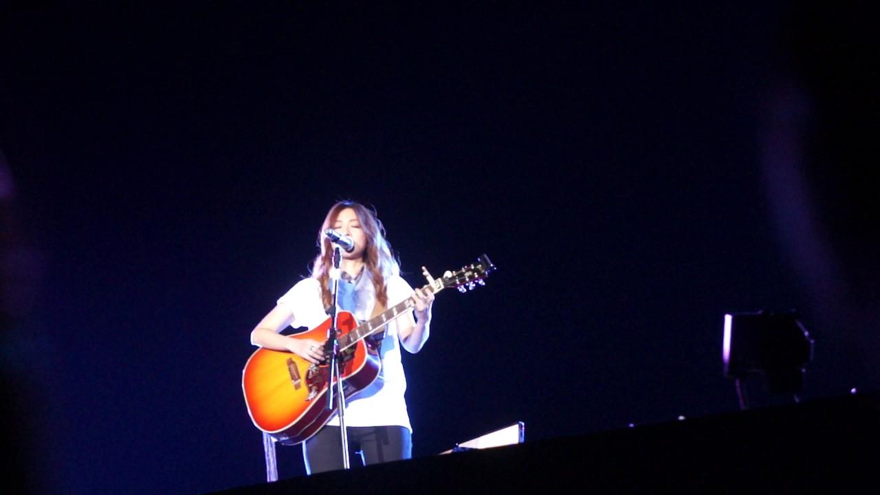 陳綺貞 - 九份的咖啡店 時間的歌高雄巨蛋演唱會 20141220 - YouTube