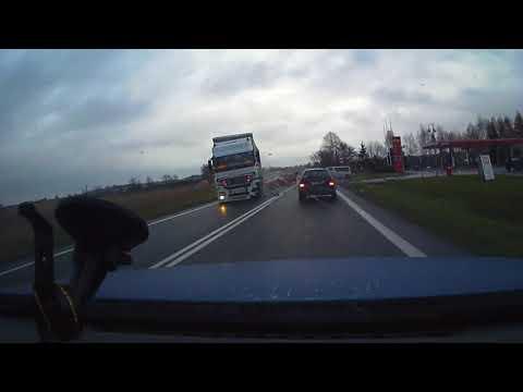 Nieuwaga kierowcy tira mogła doprowadzić do tragedii