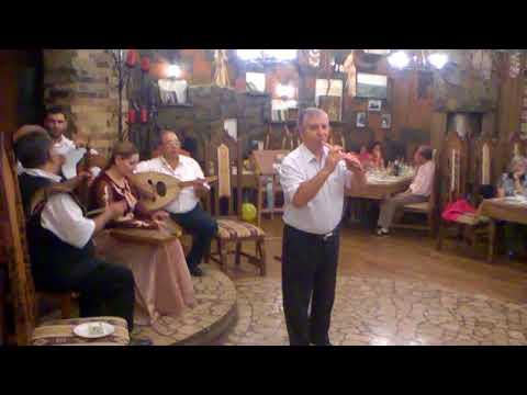 Армянская музыка в ресторане Еревана