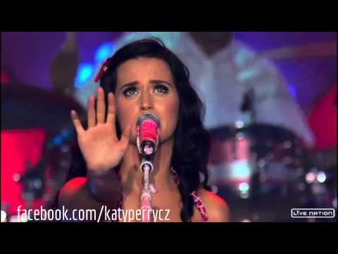 Katy Perry - I Kissed a Girl (live at Hollywood Palladium)