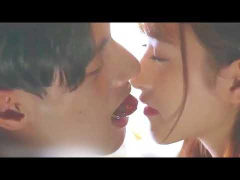 Tu Aaina Hai Mera Official Video   Luckhnowi Ishq   Mohd. Irfan   Adhyayan & Karishma KOREAN MIX 