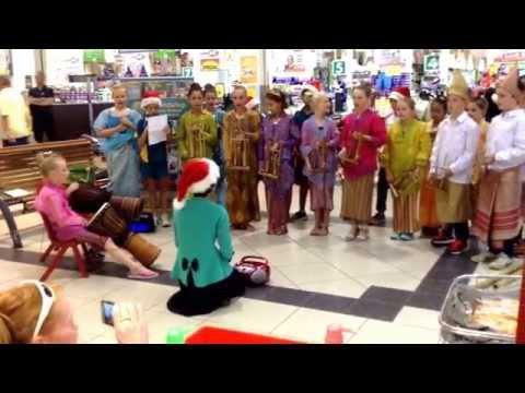 Joondalup PS bamboo Christmas Carols at Kinross Shopping Centre