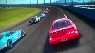 NASCAR 08 CRASHES!