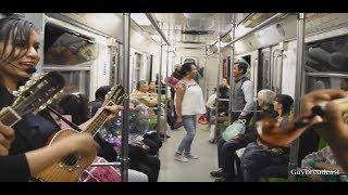 Zapateando el Querreque en el Metro de la Ciudad de México (CDMX) con el Trío 3 en Línea