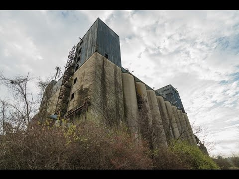 Huge Abandoned Death-Trap Factory Exploration