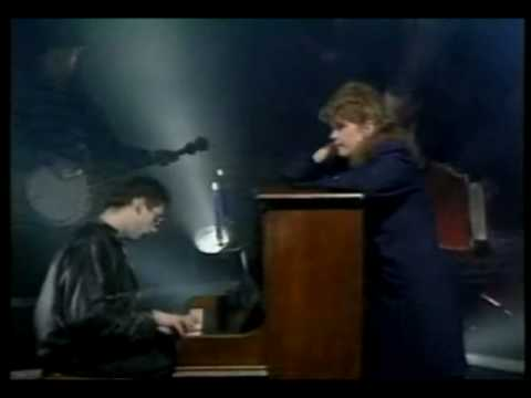 FAIRYTALE OF NEW YORK   POGUES and KIRSTY MacCOLL