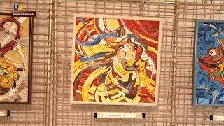 Выставка картин из электропроводов открылась в Мариуполе