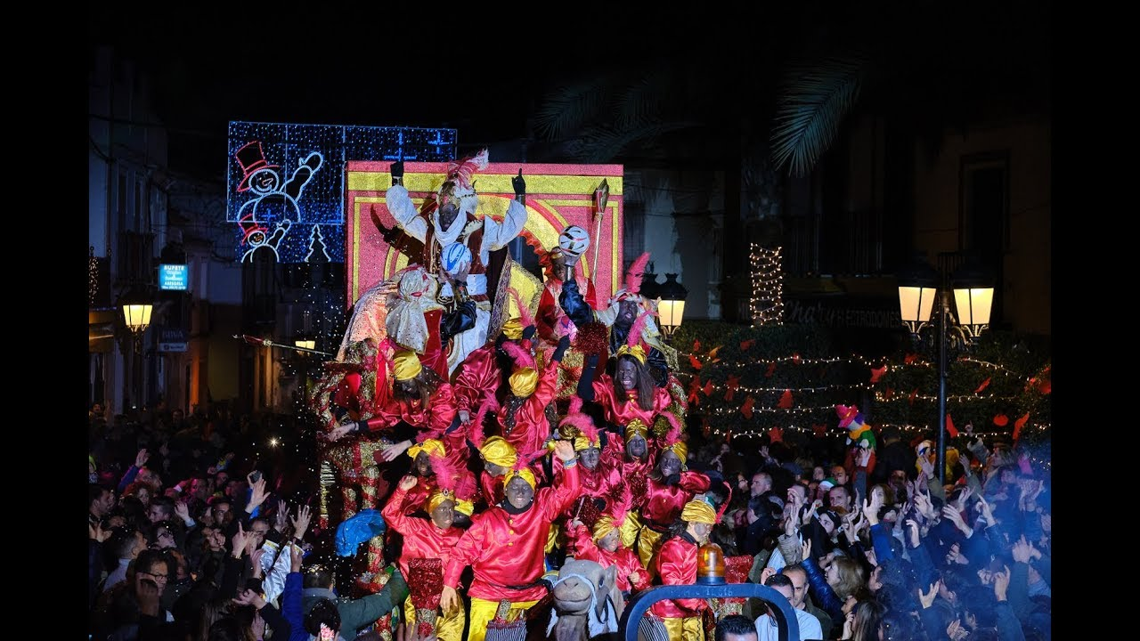 Momentos de la Cabalgata de Reyes Magos de Gines 2019