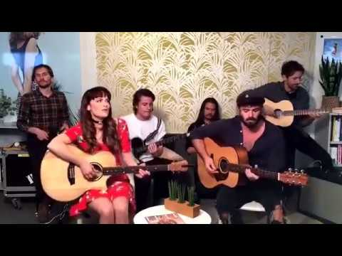 Angus and Julia stone Brand New Single (Snow) Live Acoustic 2017