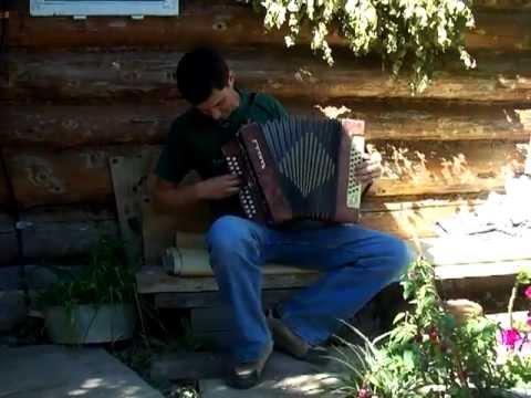 Pastirče mlado (izvedba v molu)  - instrument: ruska Garmoška / Garmoshka /  гармони