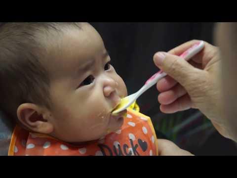 อาหารตามวัยสำหรับทารกและเด็กเล็ก