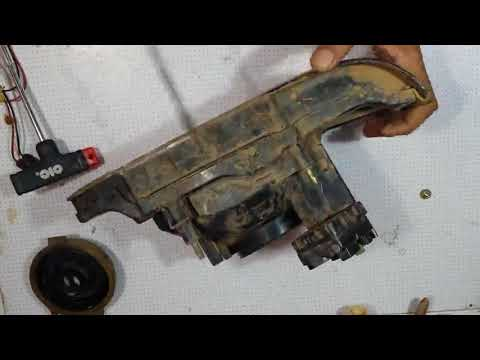 How to remove water/ moisture from car headlight