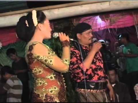 Kandungan Dangdut Aria Nada - Live Panggung Travel Video