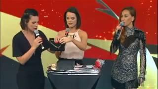 No Família Record, Camila Rodrigues ganha joias de Roberta Piza