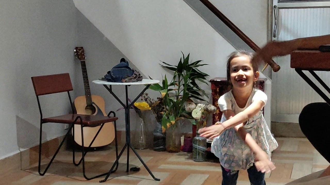 Korean song Dancing little girl(Short clip)