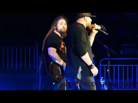 Brantley Gilbert - The Ones That Like Me - Live HD (Giant Center)