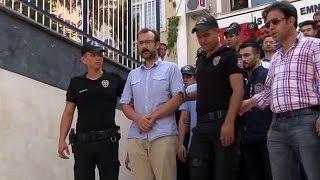 Turkey: Journalists face court as media crackdown intensifies