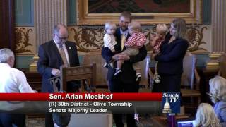 Sen. Meekhof honors Jennifer Dettloff at the Michigan Senate