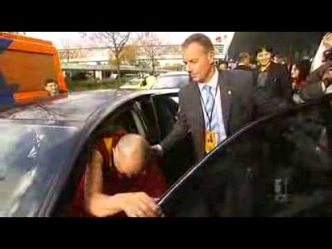 Dalai Lama arrives in Australia