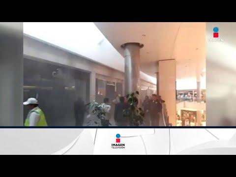 Desalojan plaza comercial Centro Coyoacán por un incendio | Noticias con Francisco Zea