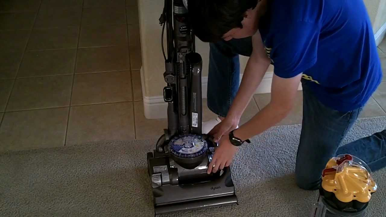 Dyson Dc33 Troubleshooting And Maintnance Youtube Vacuum Cleaner Diagram Dc07 Parts Interactive