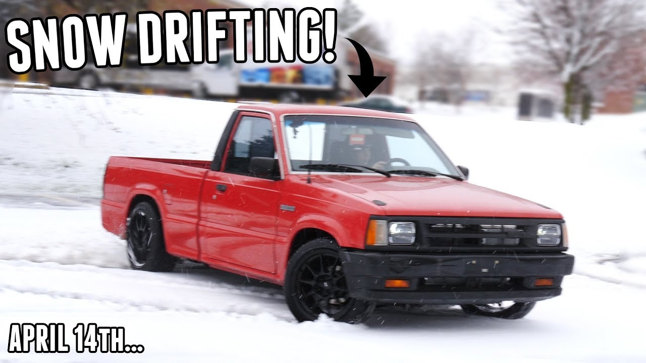 Attempting to) Snow Drift the DRIFT TRUCK in the Middle of
