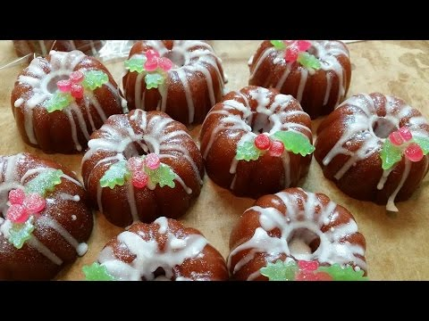 Melt and Pour Christmas Bundt Cakes