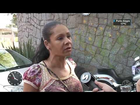 Vigilância fecha clínica onde pacientes dormiam em baias de cavalos - SBT Notícias (12/07/17)