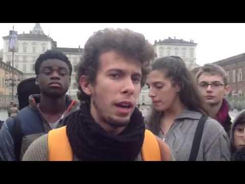 Torino, gli studenti del liceo musicale Passoni scendono in piazza