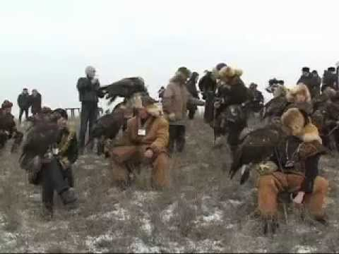 Kazakhstan Woman Eagle Hunters (PASHTO)