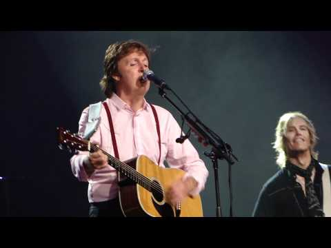 Paul McCartney - I'm Looking Through You - Philadelphia 2010 .MP4