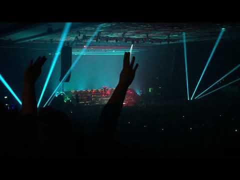 MARTERIA -Live in der Sporthalle Hamburg am 30.11.2017 : Kids (2 Finger an den Kopf)