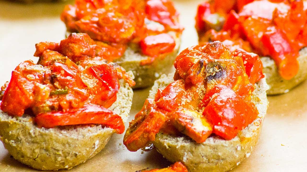 Vegane Pizzabrötchen [Gesund & ohne Öl] - Pizzabrötchen Vegan selber machen! | Unsere Vegane Küche 💚