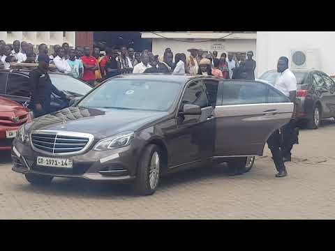 NAM1'S LAWYERS ARRIVAL AT THE CIRCUIT COURT