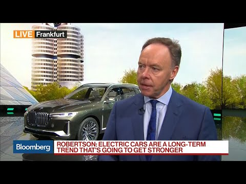 BMW's Robertson Says Electric Cars Are Long-Term Trend