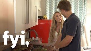 Gambar cover Kiss Bang Love: Zach and Natasha's Dinner Date (Episode 2) | FYI