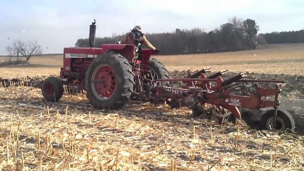 1086 Ih Plowing : Ih high speed plowing youtube