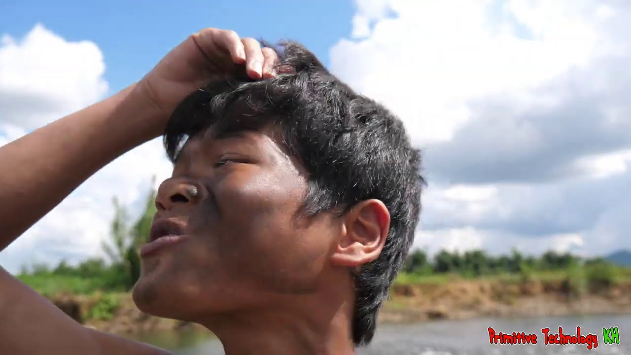 Primitive Technology - Eating delicious - Mouth Watering Whole Grilled Chicken In Clay Pot #188