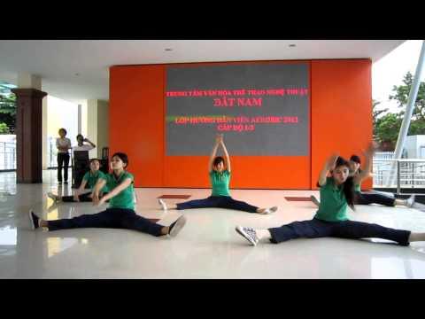 Lớp hướng dẫn viên aerobic 1/3 năm 2012 - trung tâm Đất Nam