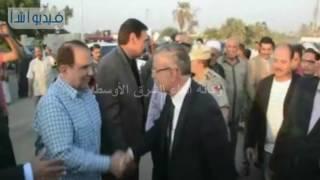 بالفديو : محافظ المنيا يفتتح كوبري إدمو الجديد بقرية دمشير