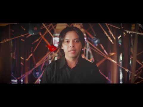Video In Comment's : Widi Widiana feat Dek Ulik Kudiang Jani (Duet Penyanyi Suara Emas Bali)