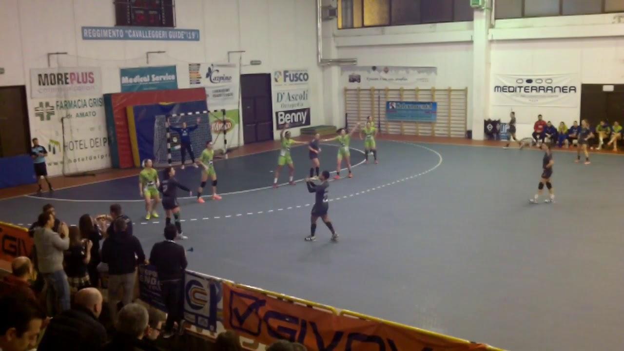 Serie A1F [12^]: Salerno - Flavioni 33-21